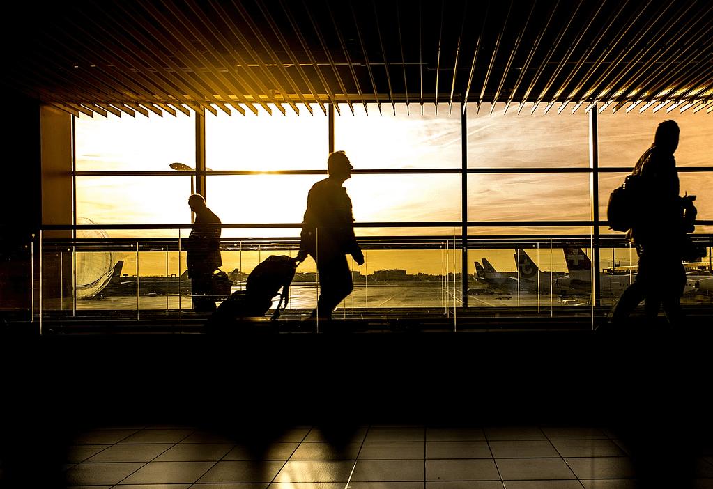 airport, terminal, man-1822133.jpg