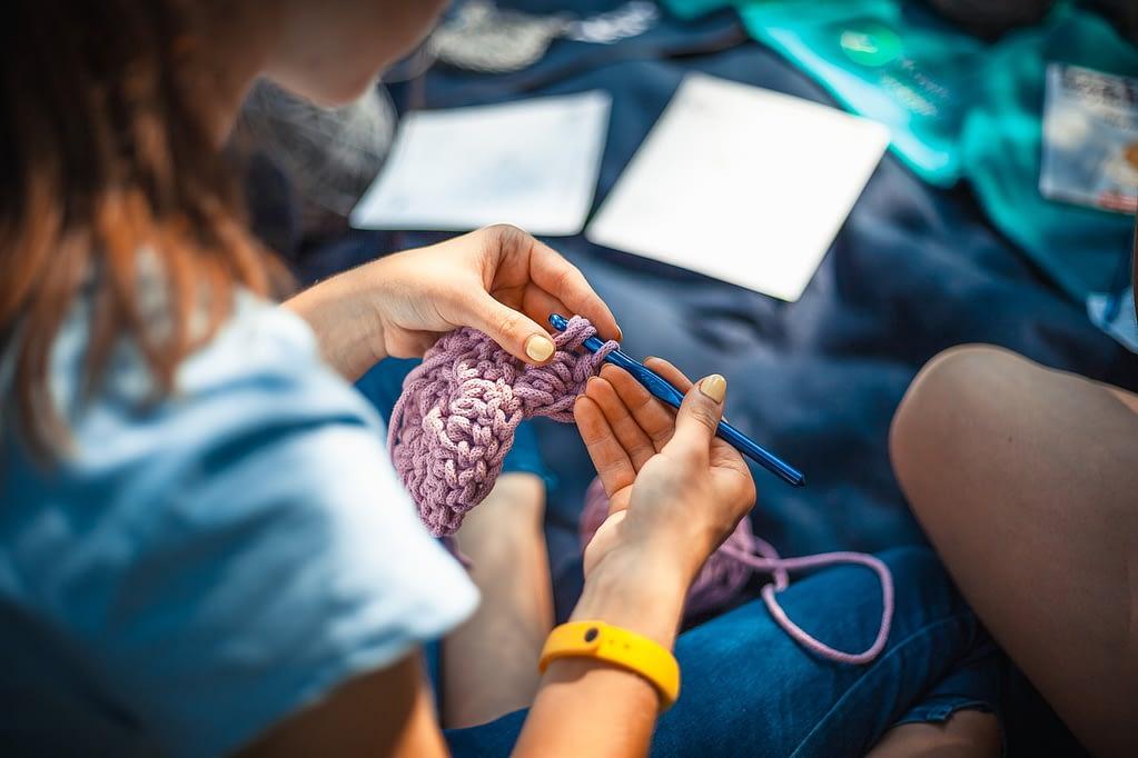 knitting, needlework, thread-4639828.jpg
