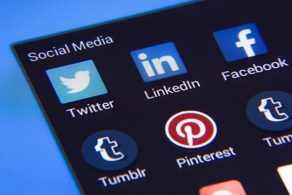 social media, facebook, twitter-1795578.jpg