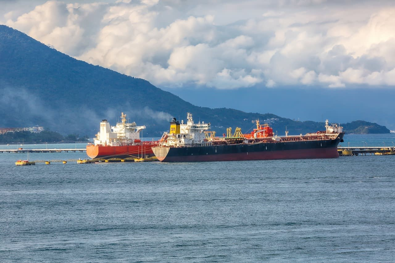 ships, the transport of the fuel, oil-4426675.jpg